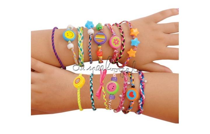 1004393 Friendship Bracelets