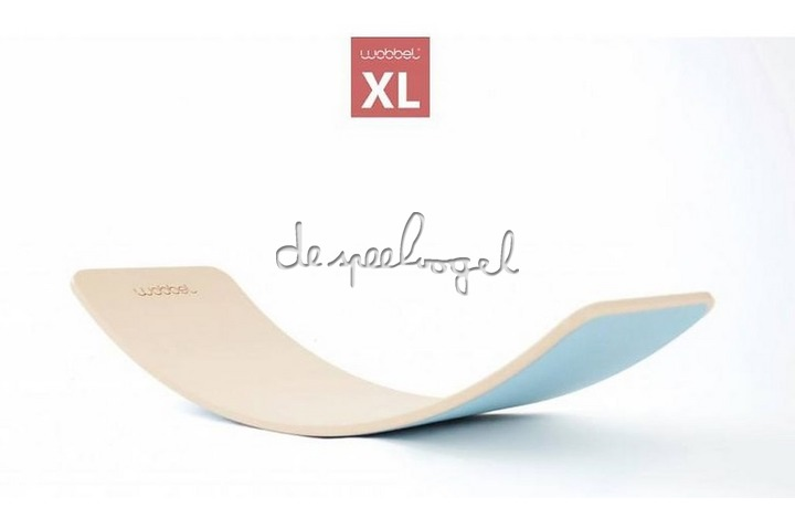 Wobbel XL blank gelakt met vilt Framboos