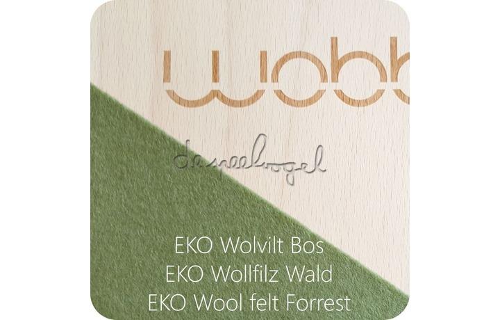 Wobbel XL blank gelakt met vilt bos groen