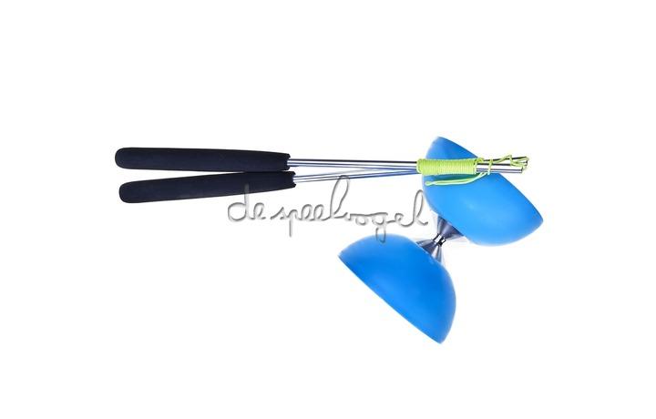 515707 Acrobat Rubber Diabolo Licht Blauw + aluminum handstokken
