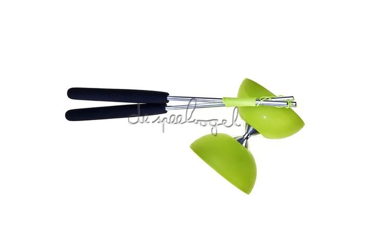 515702 Acrobat Rubber Diabolo Groen + aluminum handstokken