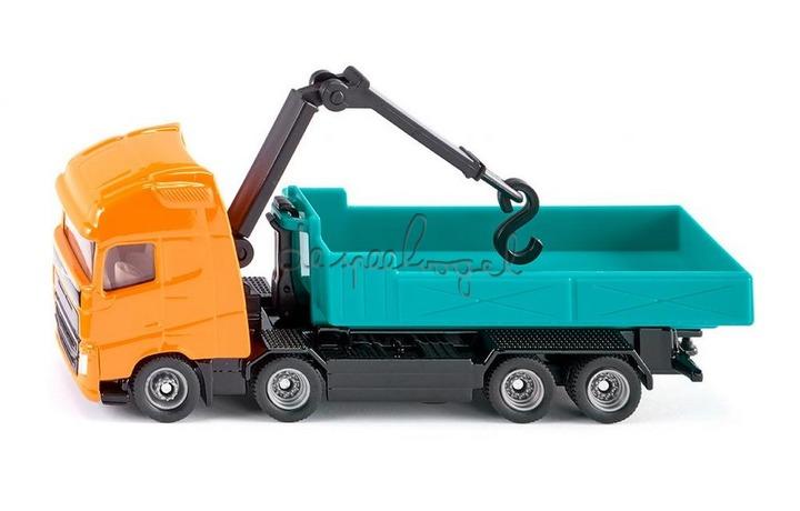 1683 Vrachtwagen met container en kraan