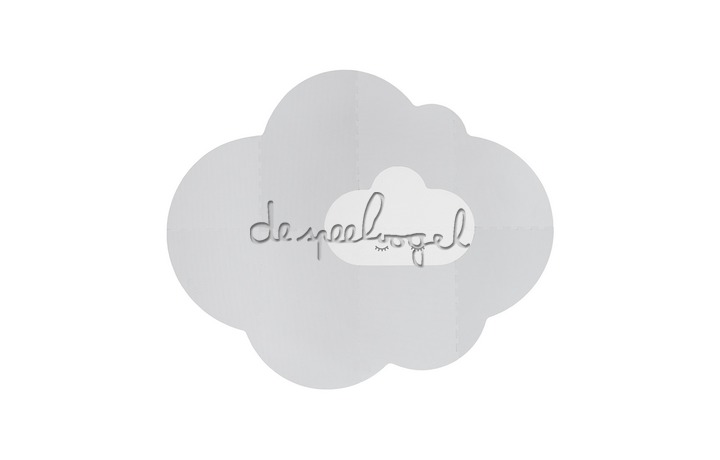 172147 Quut Playmat - Head in the clouds L Pearl Grey
