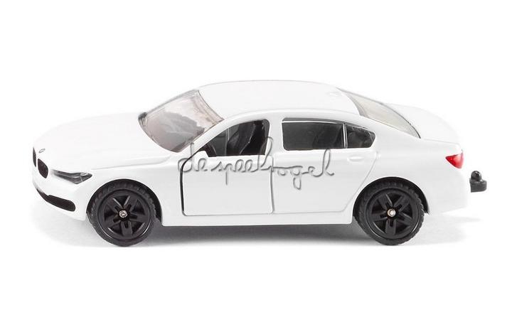 1509 BMW 750i